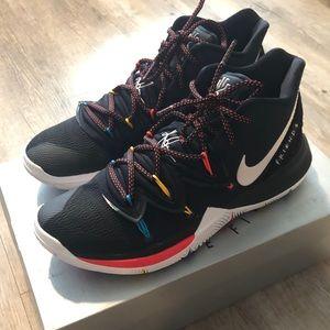 Nike Kyrie 5 'Friends'
